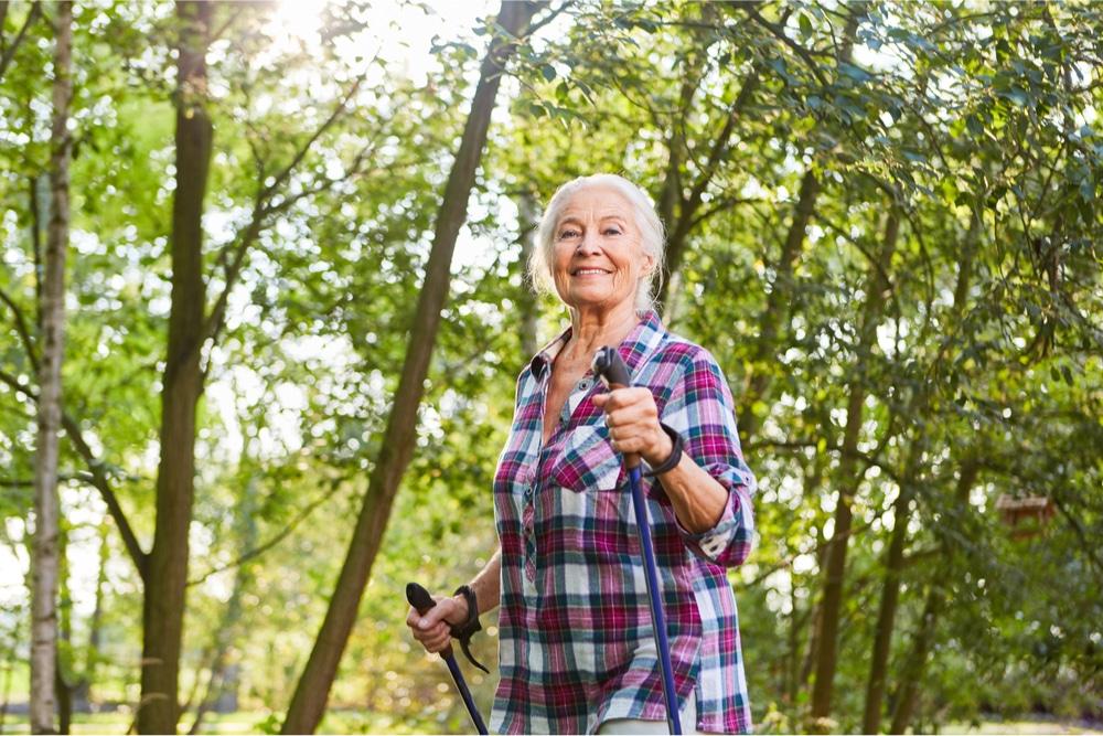 Nordic Walking hält Oma gesund
